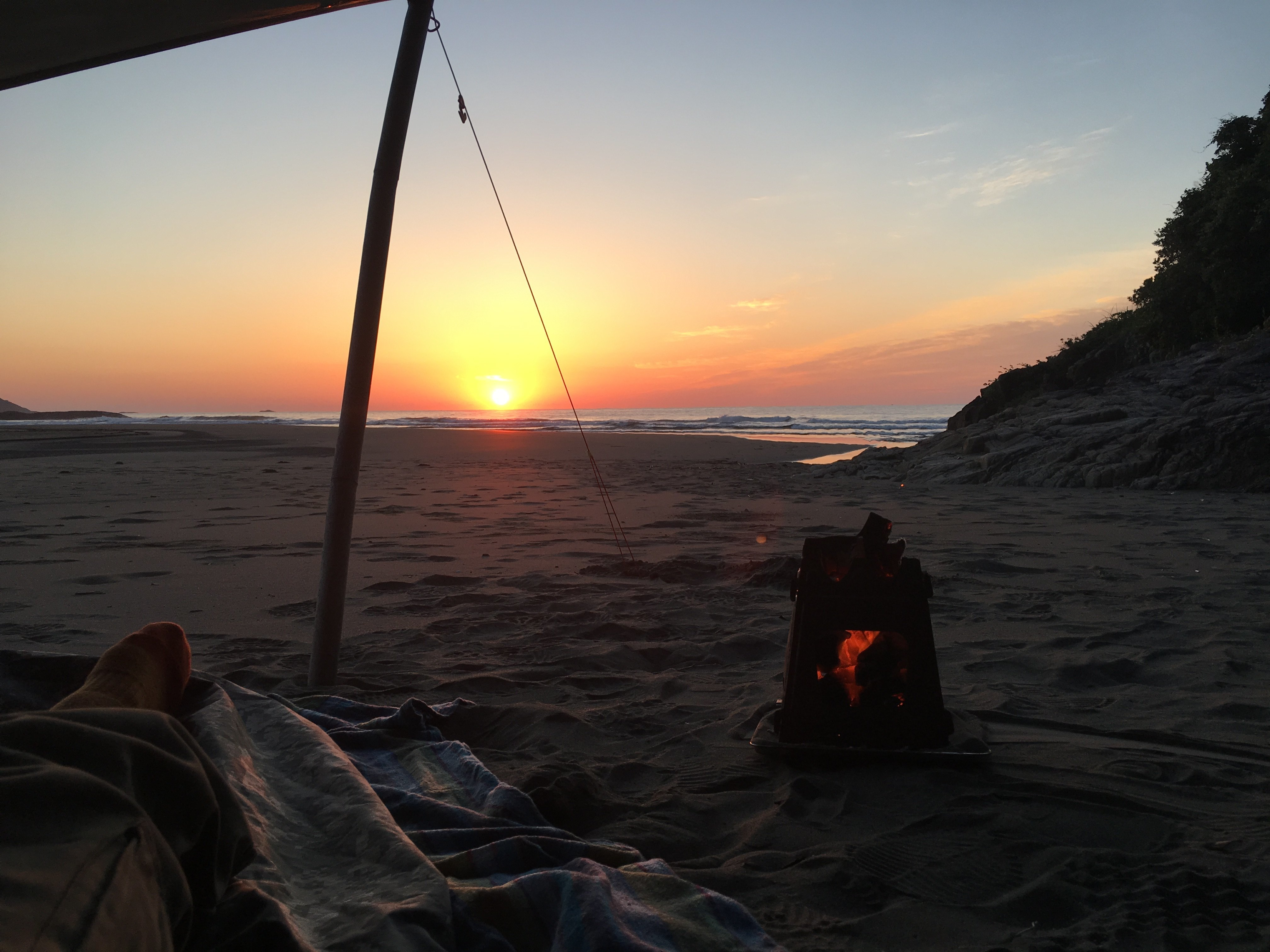 夜明け焚き火ddタープ