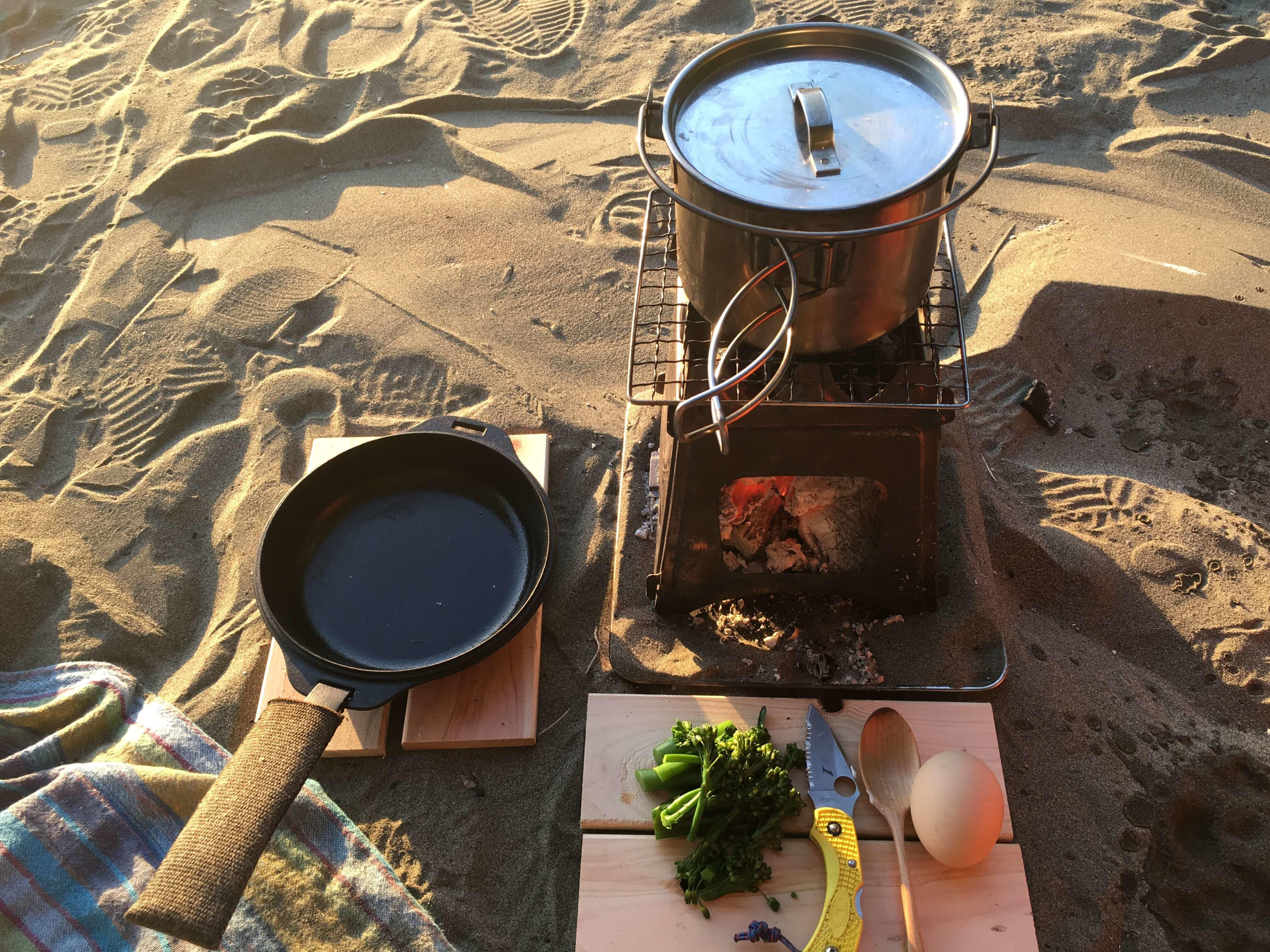 砂浜で朝ごはん